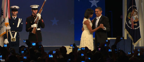 T1wide.obamas.dancing.03.cnn